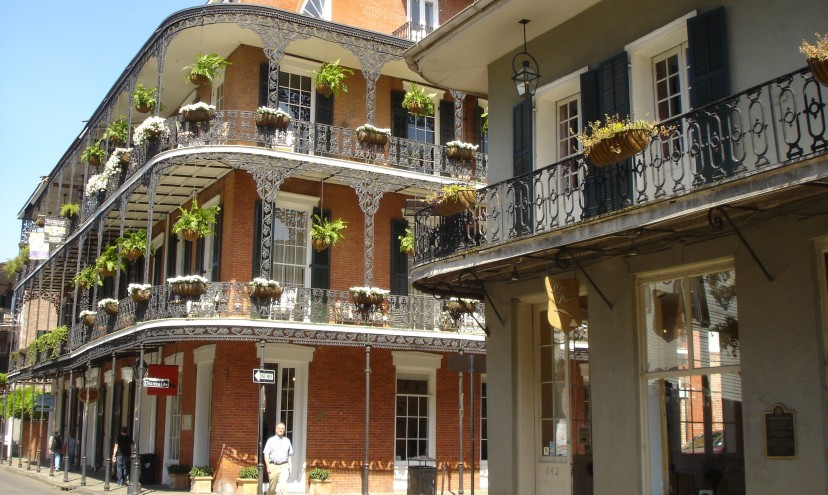 Featured image - the French Quarter of New Orleans
