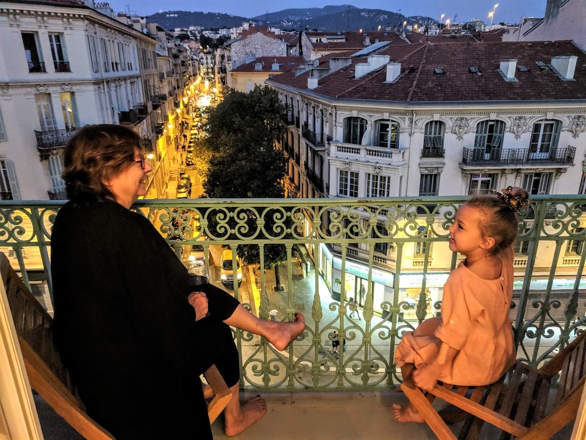 Romy and Hélène at a window in Nice (2)
