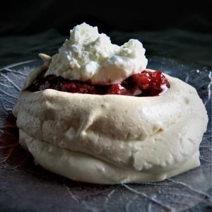 meringue-fruit-whipped-cream-equals-pavlova.jpg